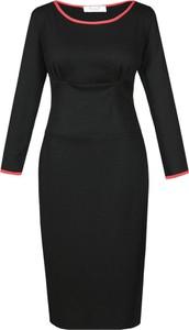 Czarna sukienka Fokus z okrągłym dekoltem
