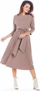 Sukienka Awama w stylu casual midi z okrągłym dekoltem