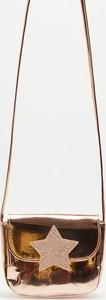 Sinsay - lakierowana torebka na ramię - Beżowy