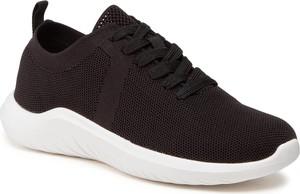 Czarne buty sportowe Clarks na platformie