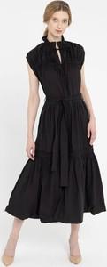 Sukienka Deni Cler maxi w stylu klasycznym z bawełny