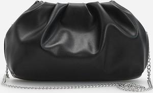 Czarna torebka Reserved w stylu glamour ze skóry lakierowana
