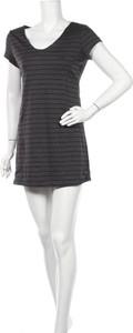 Sukienka Thyme mini z krótkim rękawem w stylu casual
