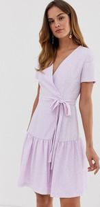 Fioletowa sukienka French Connection z krótkim rękawem mini z dekoltem w kształcie litery v