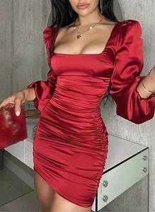 Czerwona sukienka Sandbella bodycon w stylu casual mini