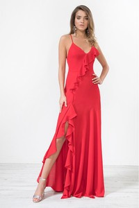 Sukienka Urban Touch na ramiączkach z dekoltem w kształcie litery v
