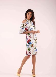 Sukienka Nommo midi w stylu casual dopasowana