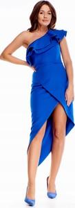 Niebieska sukienka Inna z asymetrycznym dekoltem bez rękawów