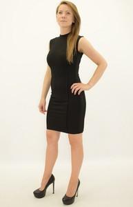 Sukienka Guess bez rękawów z okrągłym dekoltem