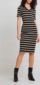 Sukienka New Look dopasowana z dekoltem w kształcie litery v w stylu casual