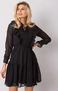 Sukienka Sheandher.pl w stylu casual z długim rękawem z kołnierzykiem