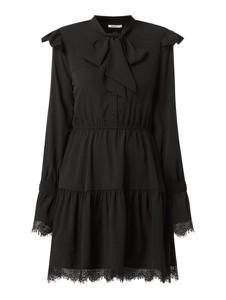 Czarna sukienka NA-KD mini z żabotem rozkloszowana