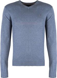 Niebieski sweter ubierzsie.com