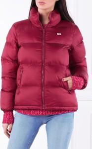 Różowa kurtka Tommy Jeans krótka