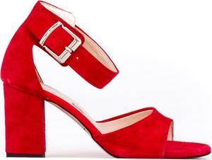 Czerwone sandały Zapato na wysokim obcasie z klamrami