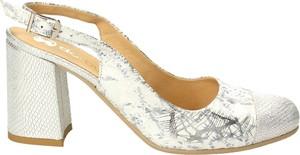 Sandały Darbut ze skóry na obcasie na średnim obcasie
