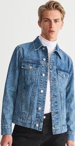 Niebieska kurtka Reserved w street stylu