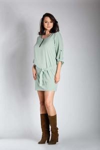 Zielona sukienka Nommo dla puszystych z okrągłym dekoltem z długim rękawem