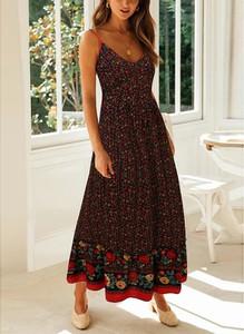 Sukienka Sandbella na ramiączkach z dekoltem w kształcie litery v maxi