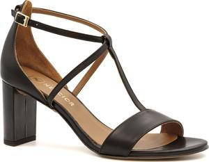 Czarne sandały Neścior na niskim obcasie ze skóry