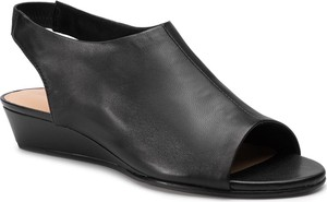 Sandały Clarks w stylu casual ze skóry