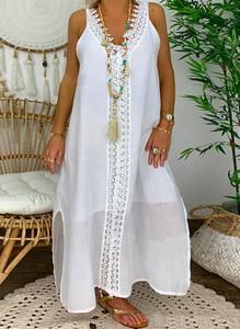 Sukienka Cikelly na ramiączkach z dekoltem w kształcie litery v oversize