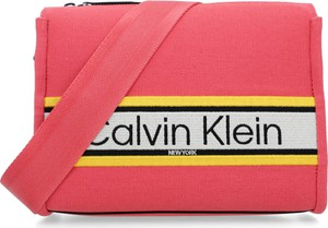 Torebka Calvin Klein średnia w młodzieżowym stylu