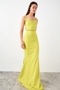Sukienka Trendyol maxi dopasowana z dekoltem w kształcie litery v