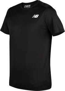 Czarny t-shirt New Balance z krótkim rękawem