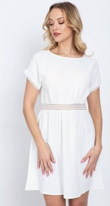Sukienka Royalfashion.pl z krótkim rękawem z okrągłym dekoltem