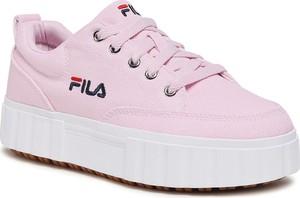 Różowe buty sportowe Fila w sportowym stylu sznurowane