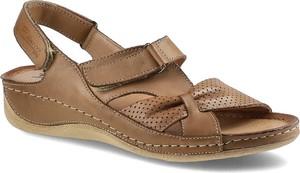 Brązowe sandały Pollonus w stylu casual na niskim obcasie na koturnie