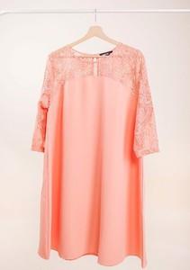 Różowa sukienka Royalfashion.pl z długim rękawem mini w stylu casual