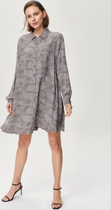 Sukienka FEMESTAGE Eva Minge z kołnierzykiem mini
