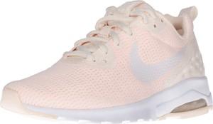 Różowe buty sportowe Nike Sportswear w młodzieżowym stylu z płaską podeszwą