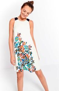 Sukienka Surkana z okrągłym dekoltem bez rękawów
