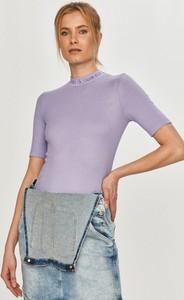 Bluzka Calvin Klein z krótkim rękawem z okrągłym dekoltem z dzianiny