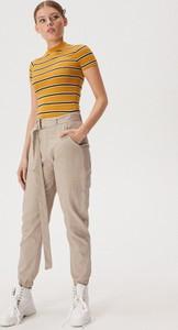 T-shirt Sinsay z bawełny w stylu casual z krótkim rękawem