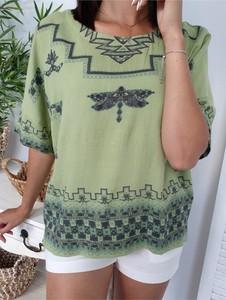 Bluzka Ottanta w bożonarodzeniowy wzór z krótkim rękawem