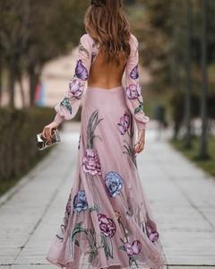 Sukienka Kendallme maxi z dekoltem w kształcie litery v z szyfonu