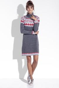Granatowy sweter TAGLESS z żakardu