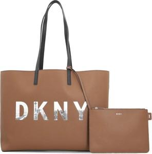 Brązowa torebka DKNY na ramię duża