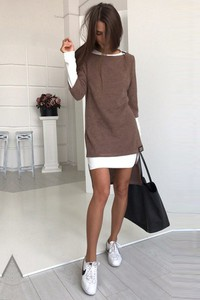 Sukienka Ivet.pl z okrągłym dekoltem mini z długim rękawem