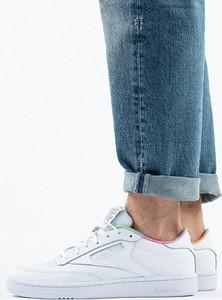 Buty sportowe Reebok Classic sznurowane z płaską podeszwą