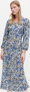 Niebieska sukienka Reserved z dekoltem w kształcie litery v z długim rękawem