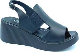 Czarne sandały Lanqier na koturnie w stylu casual