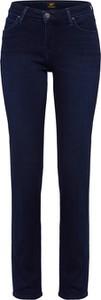Jeansy Lee z jeansu w street stylu