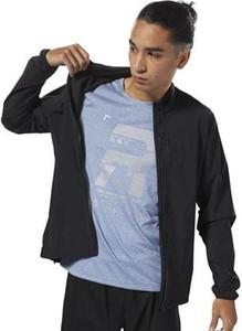 Niebieski t-shirt Reebok z dzianiny