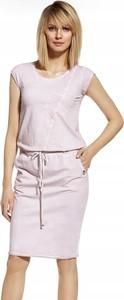 Różowa sukienka Inna mini z krótkim rękawem z okrągłym dekoltem