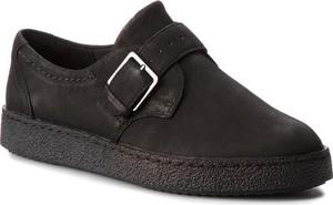 Czarne półbuty Clarks w stylu casual z płaską podeszwą ze skóry ekologicznej